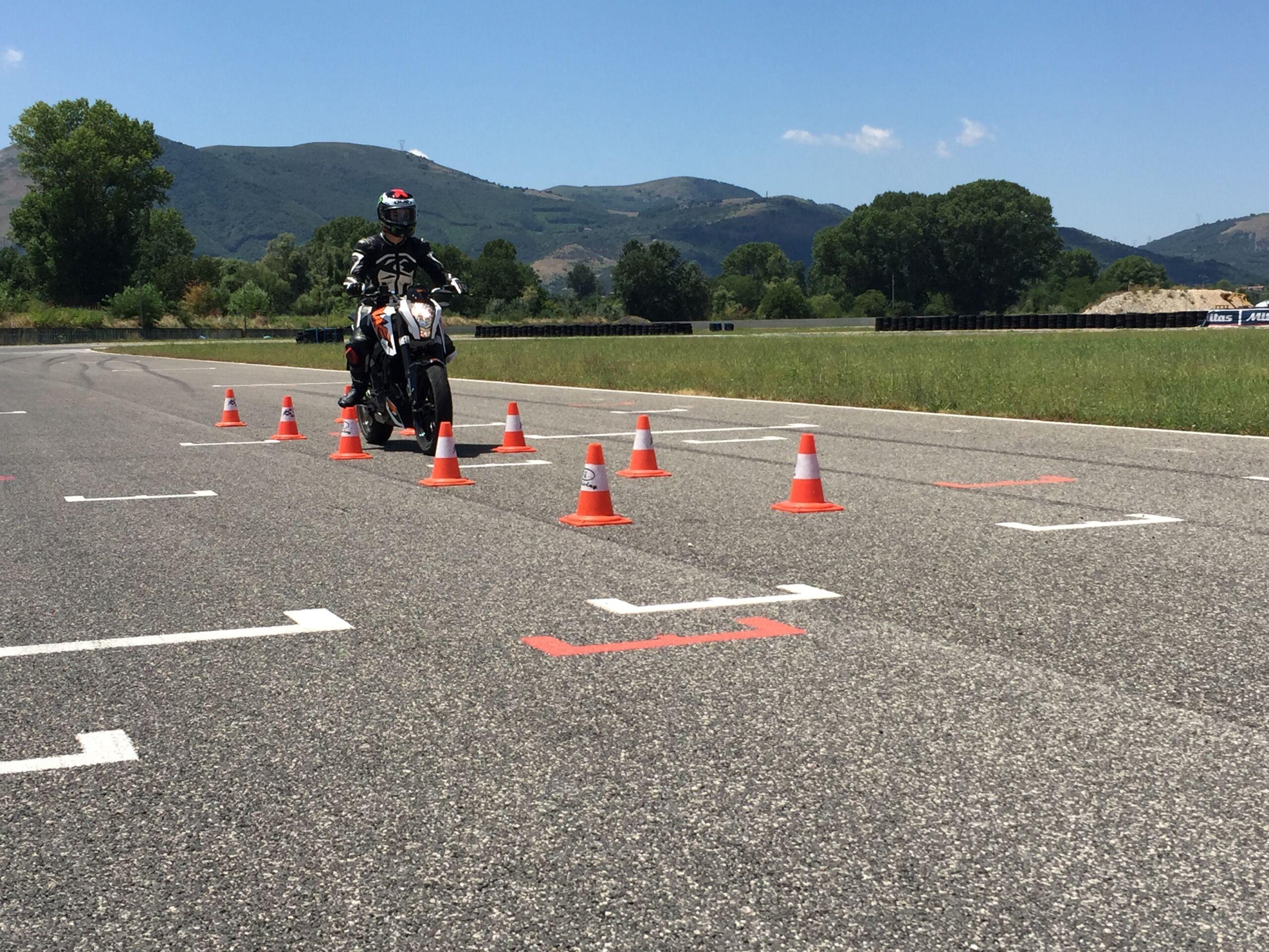 Corso guida moto
